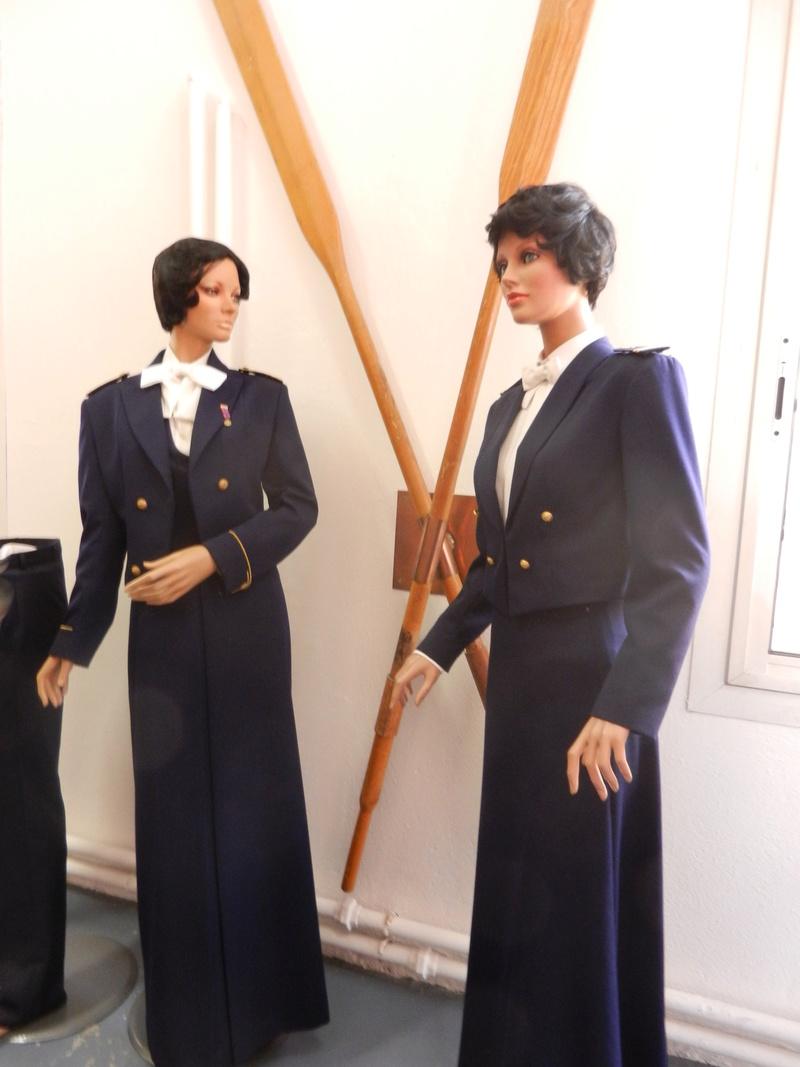 [ Les musées en rapport avec la Marine ] Conservatoire des tenues à Toulon Dscn0733