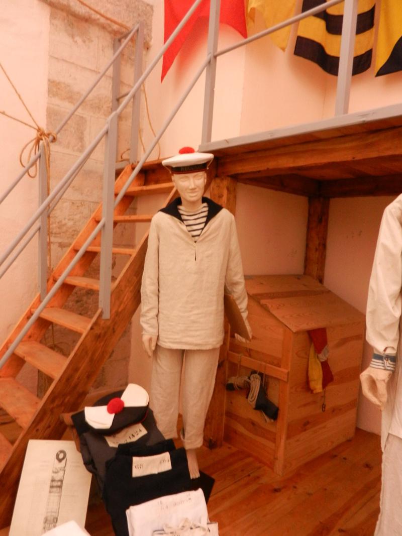 [ Les musées en rapport avec la Marine ] Conservatoire des tenues à Toulon Dscn0739