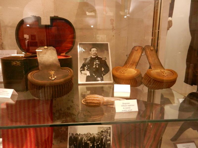 [ Les musées en rapport avec la Marine ] Conservatoire des tenues à Toulon Dscn0745