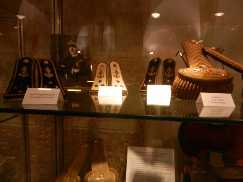 [ Les musées en rapport avec la Marine ] Conservatoire des tenues à Toulon Dscn0750