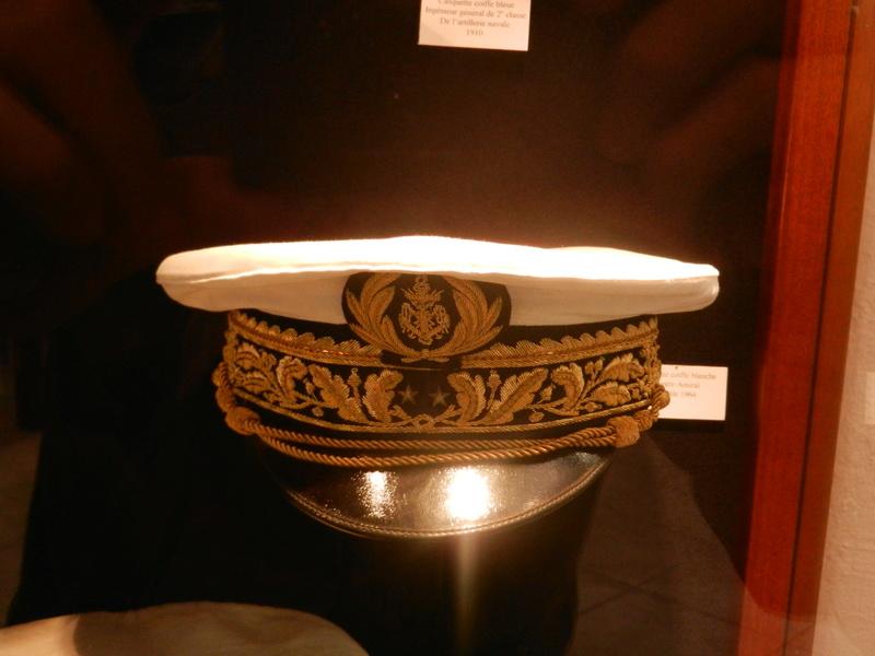 [ Les musées en rapport avec la Marine ] Conservatoire des tenues à Toulon Dscn0766