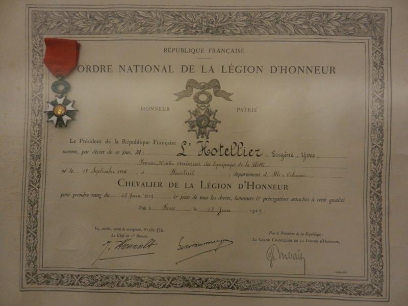 [ Les musées en rapport avec la Marine ] Conservatoire des tenues à Toulon Dscn0773