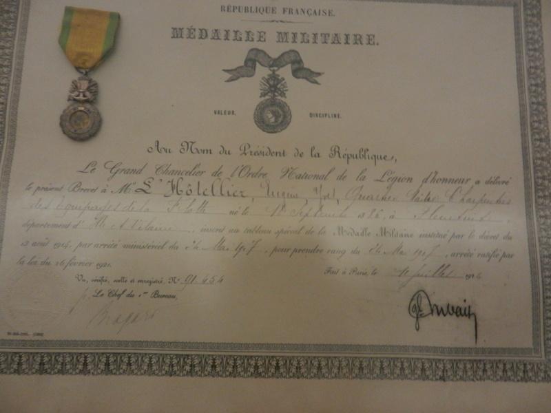 [ Les musées en rapport avec la Marine ] Conservatoire des tenues à Toulon Dscn0774