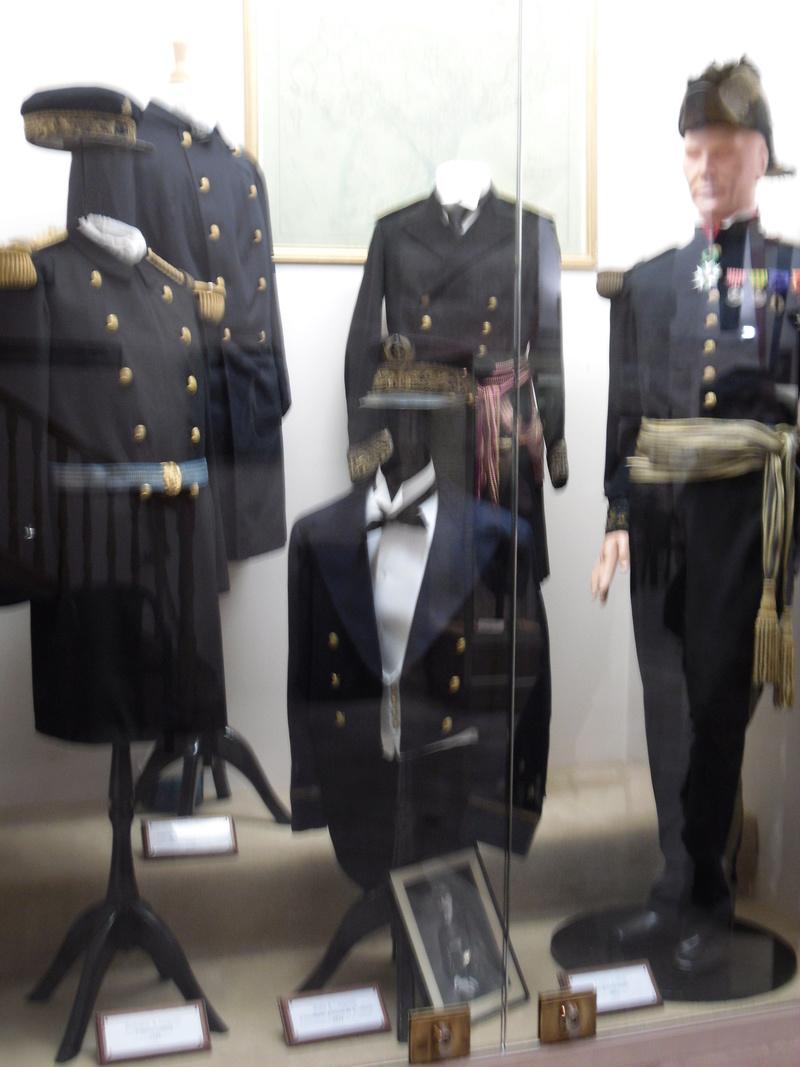 [ Les musées en rapport avec la Marine ] Conservatoire des tenues à Toulon - Page 3 Sdc10815