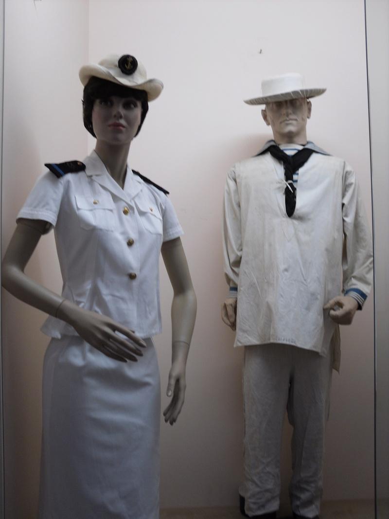 [ Les musées en rapport avec la Marine ] Conservatoire des tenues à Toulon - Page 3 Sdc10911