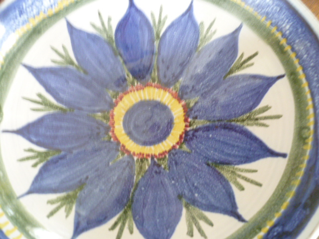 bowl incised RW - Winifred Rawsthorne? P1200910