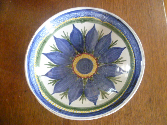 bowl incised RW - Winifred Rawsthorne? P1200911