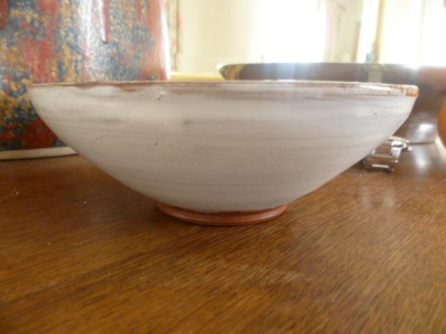 bowl incised RW - Winifred Rawsthorne? P1200912