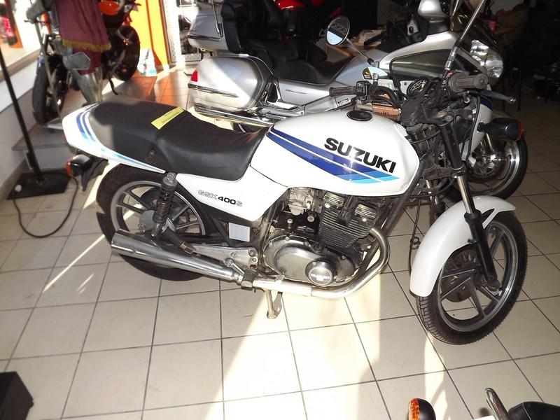 moto + fait son show  14289910