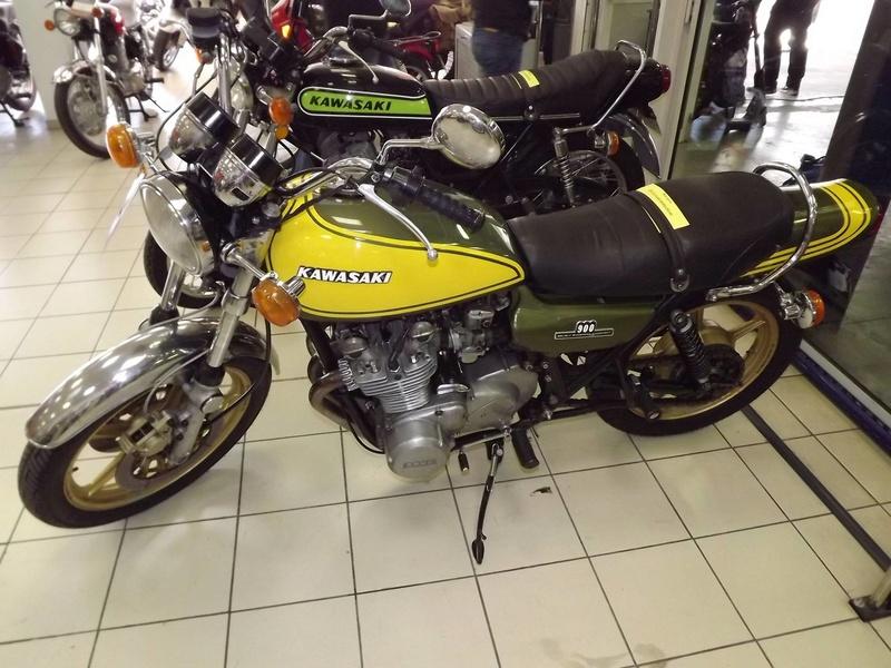 moto + fait son show  14311410
