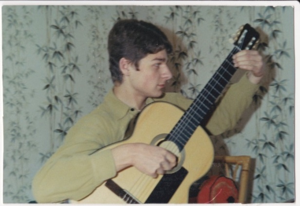 Sauvetage d'une guitare - Page 2 Annyes10