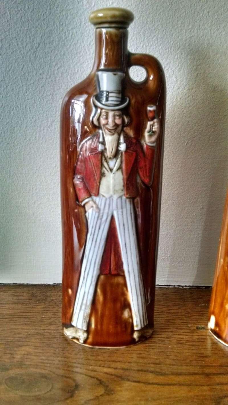 Continental?? Novelty Flasks     Schafer und Vater Img_2071