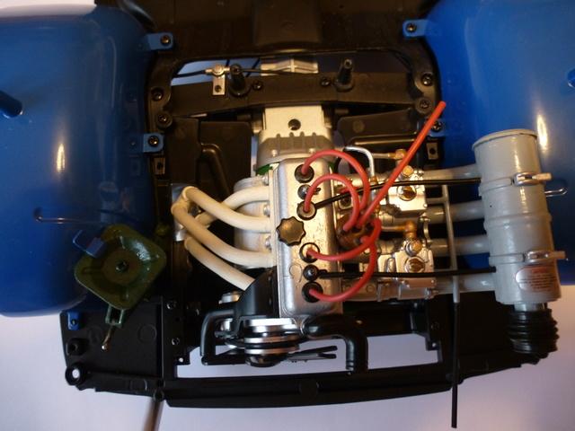 """Suite du montage chassis de ma """"Gordini"""" P1090113"""