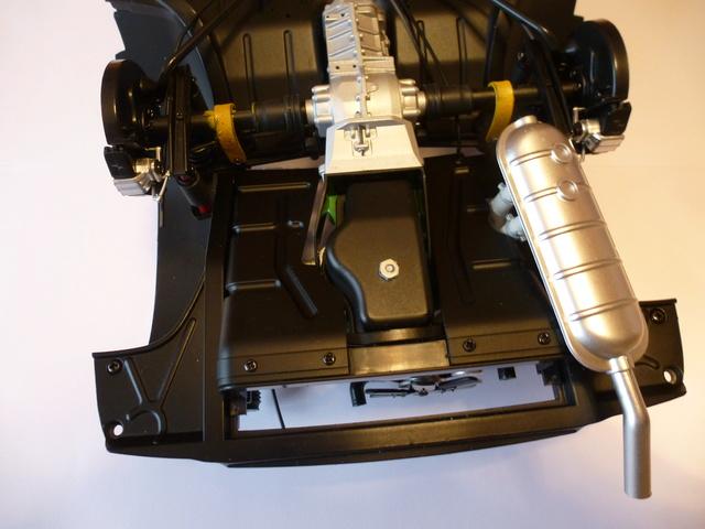 """Suite du montage chassis de ma """"Gordini"""" P1090114"""