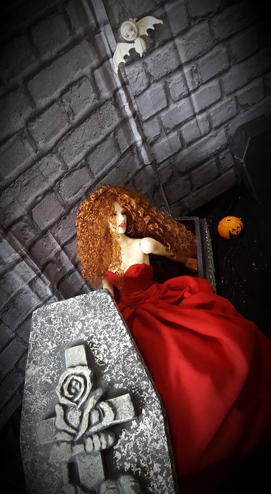 [IH Doria vamp.] Cassandra, cerceuil (bas p2) - Page 2 14642410
