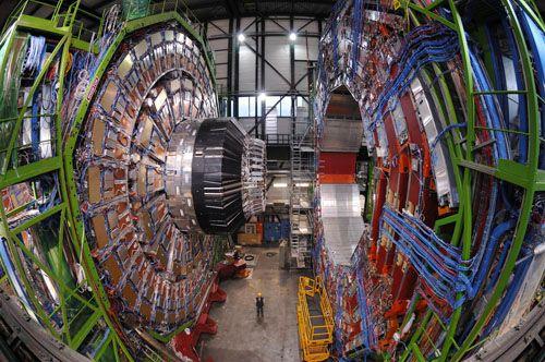 [ EN COURS ]   -   DÉTECTEUR  -  CMS   -   CERN   -   LHC Cms-0610