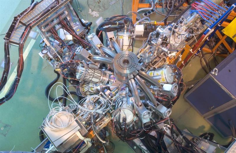 ISOLDE  ( 5 )   -   Séparateur d'isotopes en ligne ISOLDE   -   CERN Isolde10