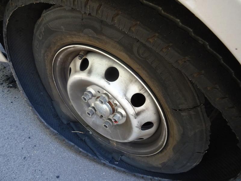 [SONDAGE] Avez-vous une roue de secours ? - Page 6 Dsc00810