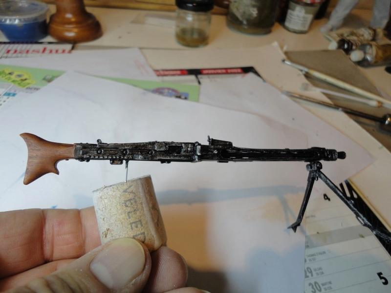 Machine gunner 200 mm 1/9 kirin  ( fini ) - Page 4 Dsc00210