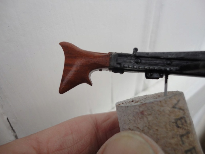 Machine gunner 200 mm 1/9 kirin  ( fini ) - Page 4 Dsc00411