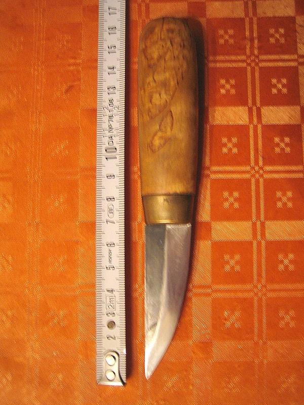 vos couteaux qui ont bien vecus mais qui encaissent bien le coup ! Edc_pu10
