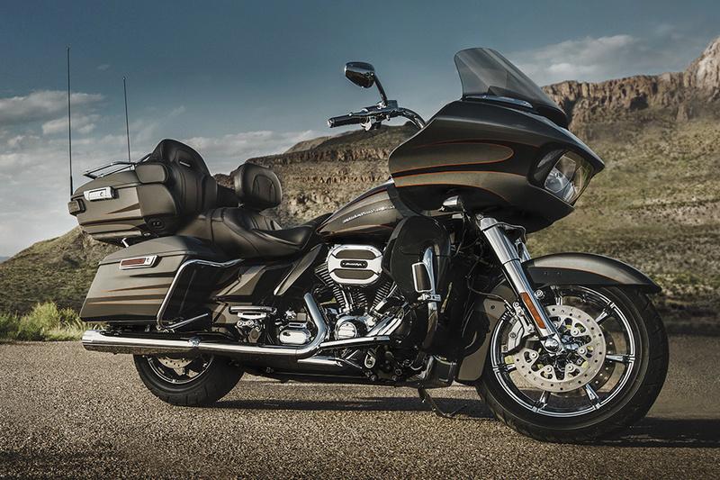 Essai Harley-Davidson Electra CVO Limited 114 Road_g10