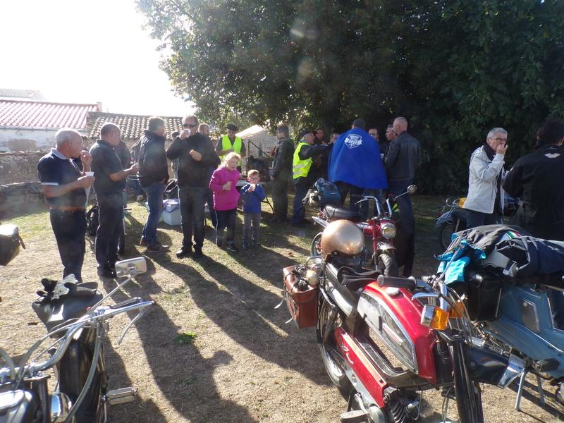 sortie mobylettes et motos anciennes le 25 septembre 2016 Les Sables d'Olonne 100_1615
