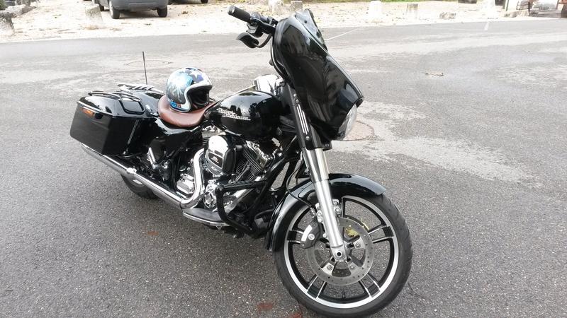 combien de STREET GLIDE  sur le forum Passion-Harley - Page 12 20161011