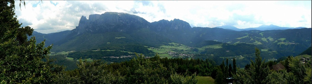 Le Dolomites depuis Collalbo  Scilia10
