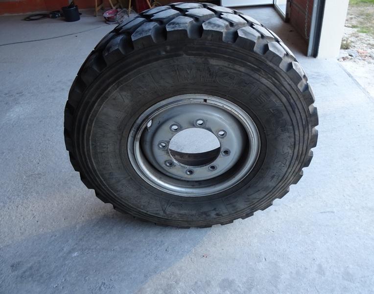 PNEUS Michelin XZL Dsc03911