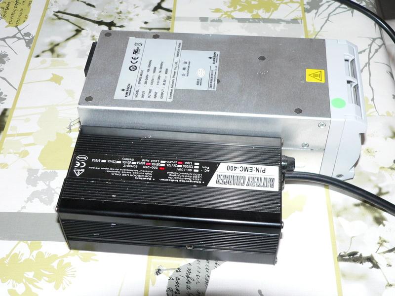 Chargeur 48V 1600watts (sur base alim de serveur) P1180110