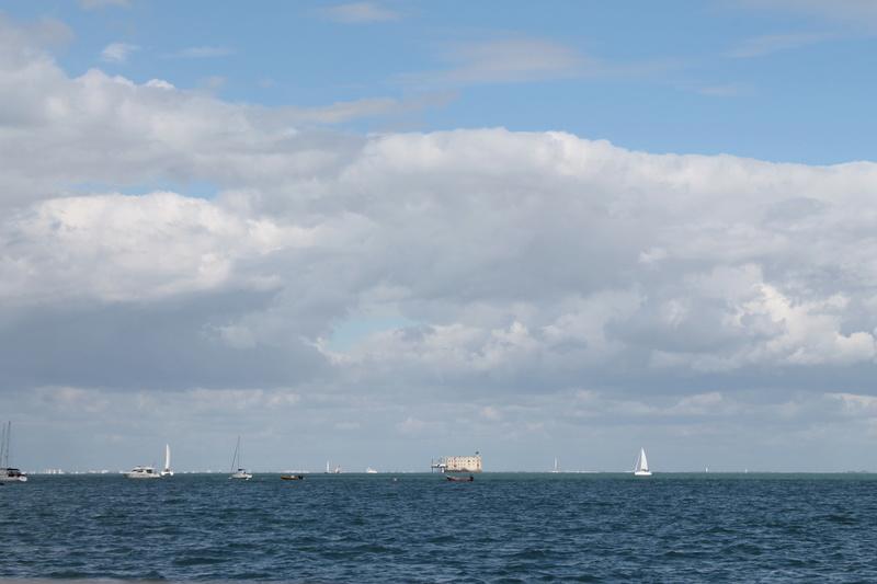 Êtes-vous déjà passé en bateau devant le Fort ? - Page 7 Img_4511
