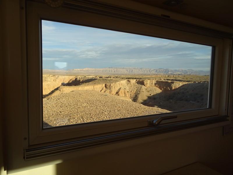 Bivouac dans le désert avant Las Vegas Dsc04811