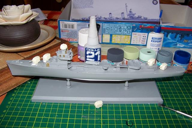 USS Murphy DD603 (Dragon 1/350 USS Laffey Classe Benson) 100_0719