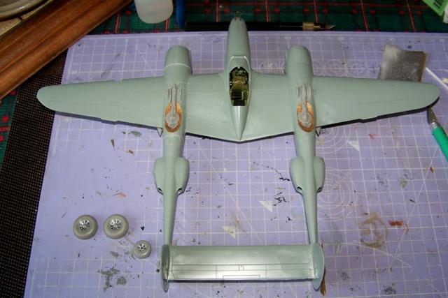 P-38J, ALG-A10 CATZ 07/44 ( Academy 1/48)( FINI ) 100_3521
