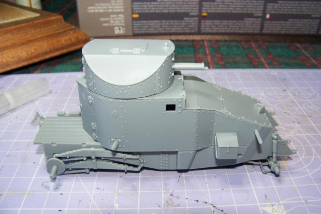 Auto Mitrailleuse Lanchester ( CSM 1/35) FINI 100_3556