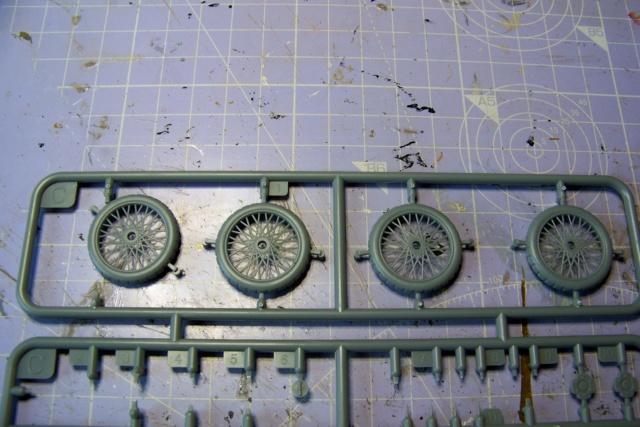 Auto Mitrailleuse Lanchester ( CSM 1/35) FINI 100_3563