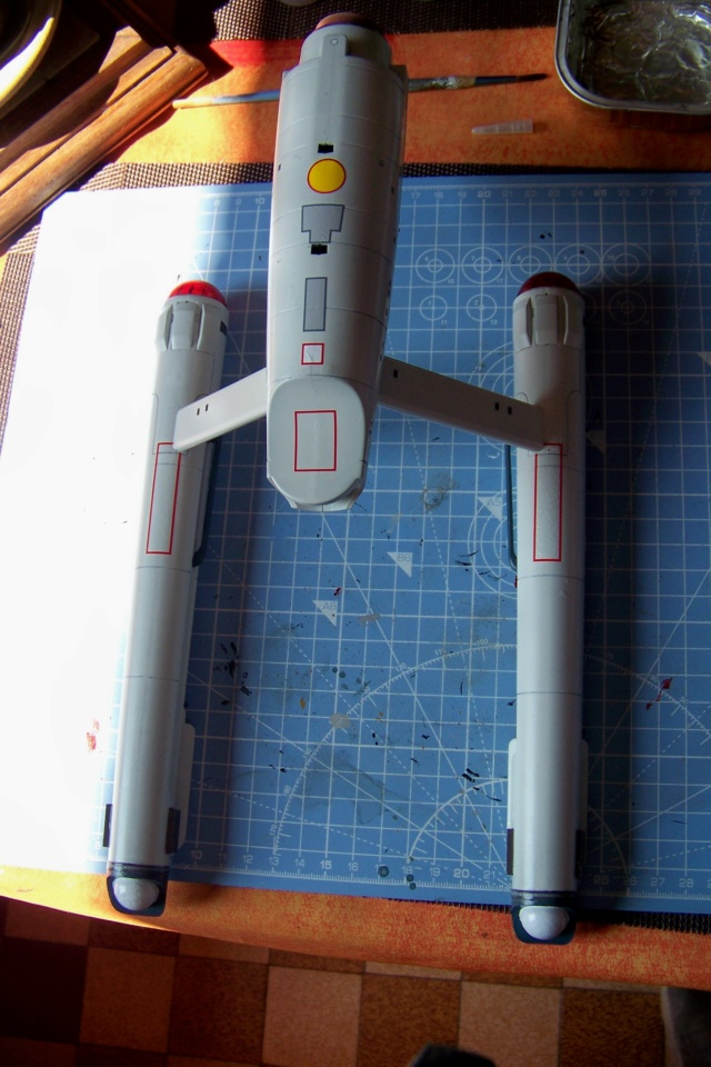 NCC 1657 (Revell 1/600) FINI - Page 2 100_5202