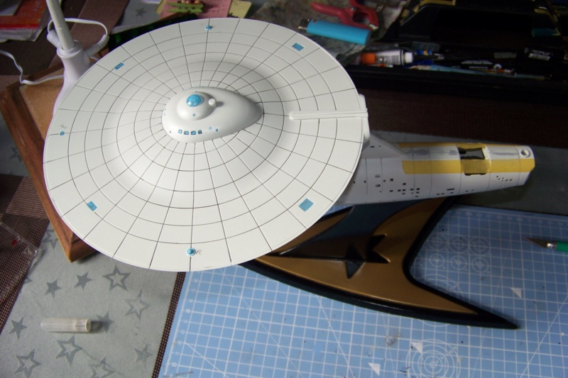 NCC 1657 (Revell 1/600) FINI - Page 2 100_5340