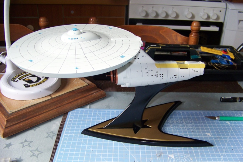 NCC 1657 (Revell 1/600) FINI - Page 2 100_5341