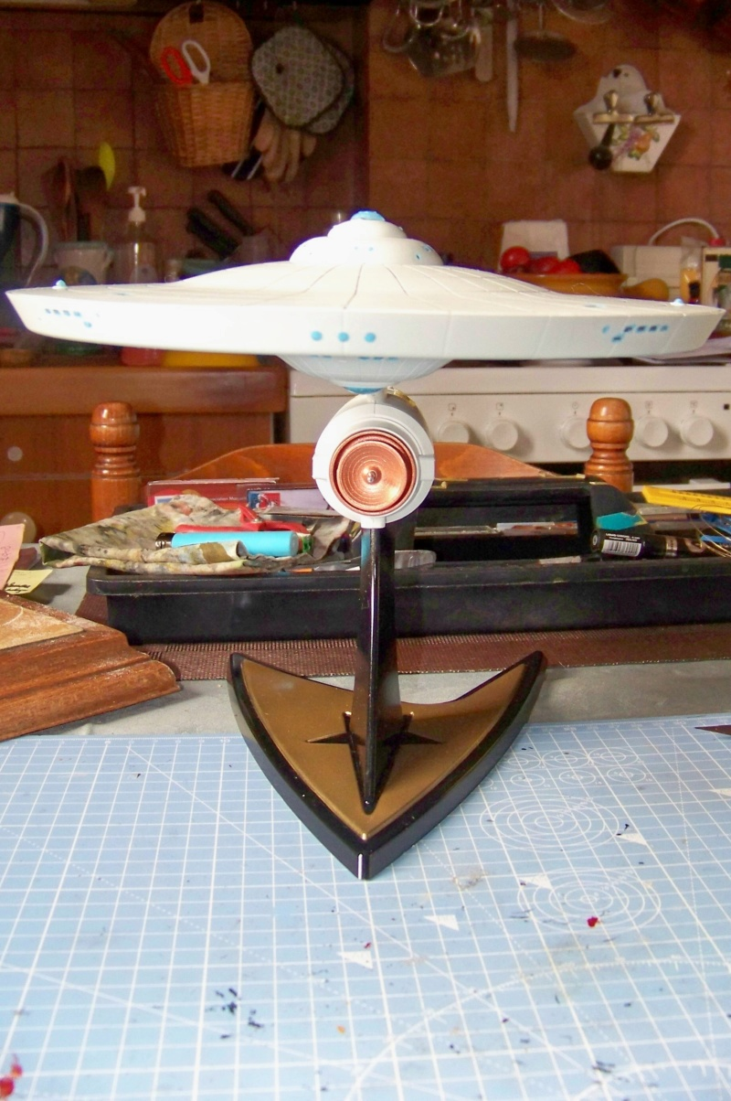 NCC 1657 (Revell 1/600) FINI - Page 2 100_5344