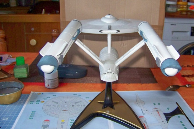 NCC 1657 (Revell 1/600) FINI - Page 2 100_5390