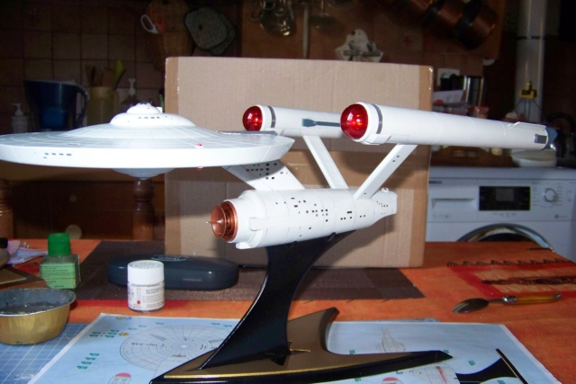 NCC 1657 (Revell 1/600) FINI - Page 2 100_5391
