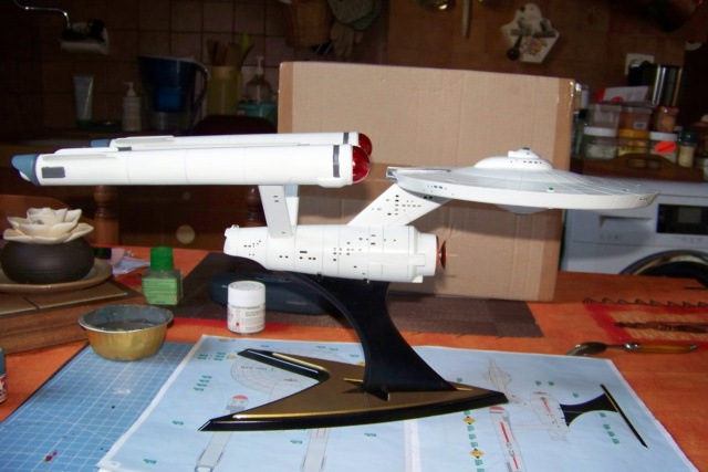 NCC 1657 (Revell 1/600) FINI - Page 2 100_5393