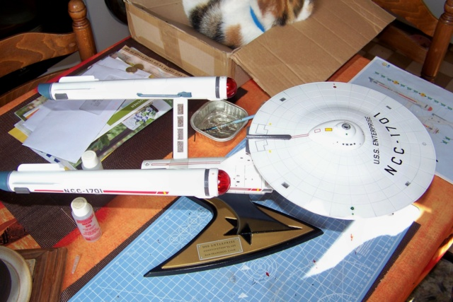 NCC 1657 (Revell 1/600) FINI - Page 2 100_5411