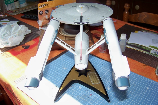 NCC 1657 (Revell 1/600) FINI - Page 2 100_5414