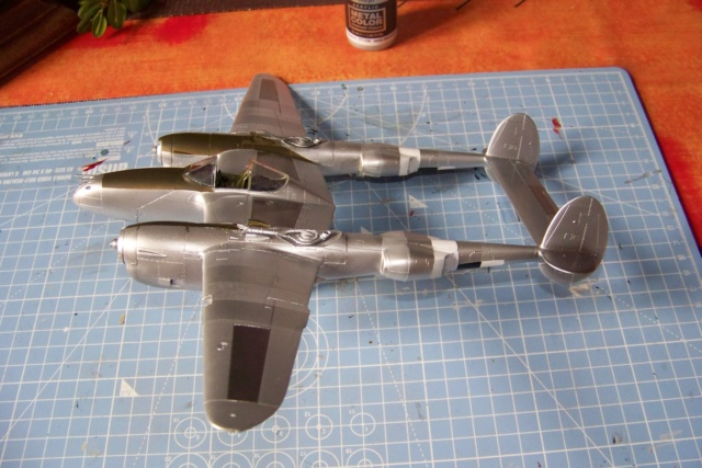 P-38J, ALG-A10 CATZ 07/44 ( Academy 1/48)( FINI ) - Page 2 100_5660