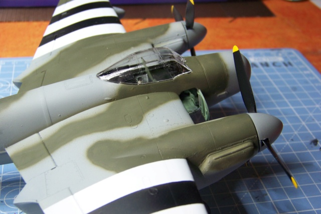 "DH 98 ""Mossie"" NF MK XIII 1/48  "" FINI ! "" - Page 2 100_5672"