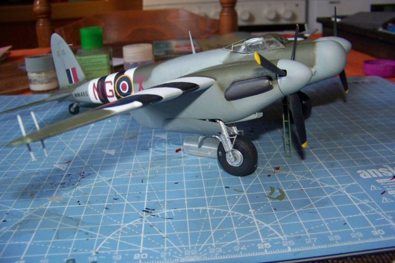 "DH 98 ""Mossie"" NF MK XIII 1/48  "" FINI ! "" - Page 3 100_5692"