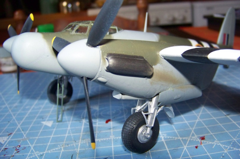 "DH 98 ""Mossie"" NF MK XIII 1/48  "" FINI ! "" - Page 3 100_5696"